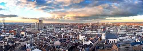 Luftbildaufnahme der Stadt Bonn mit Stadthaus