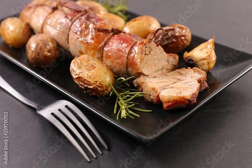 filet mignon and potato - 239700152