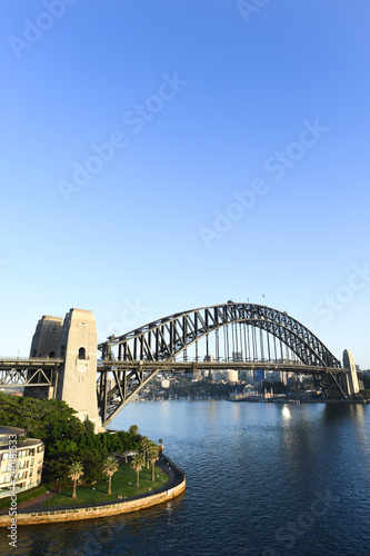 obraz PCV Sydney Harbour Bridge as viewed from a high vantage point at dawn.