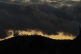 Grand vent et ciel tourmenté sur les cimes des Vosges - 240233132