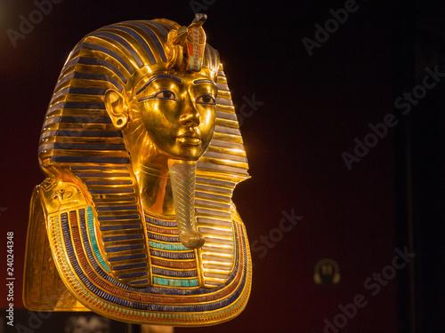 Ägyptischer Pharao in Gold