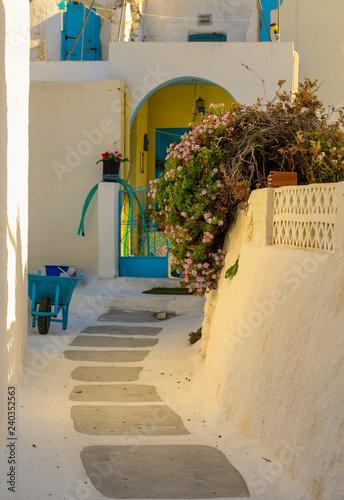 Hinterhof auf Thirasia in Griechenland