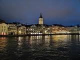 Zürich bei Abenddämmerung