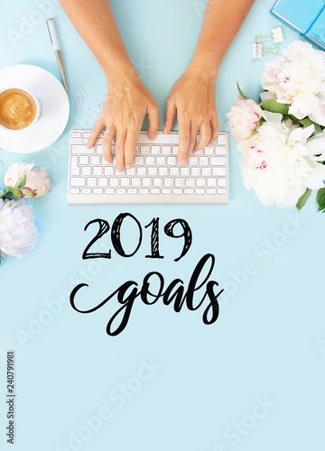 Top view 2019 goals list - 240791981