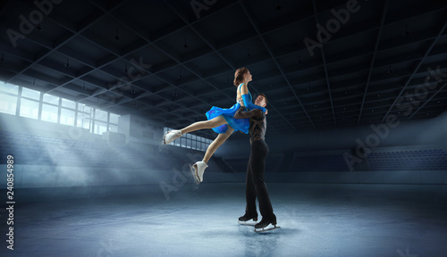 Figure skating couple - 240854989