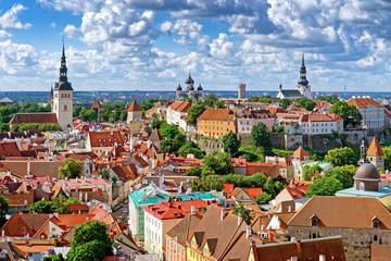 Blick auf Domberg und Olaikirche, Tallinn, Estland