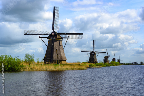 Leinwanddruck Bild Dutch mills in Kinderdijk, South Holland
