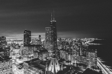 chicago skyline at night © Dustin