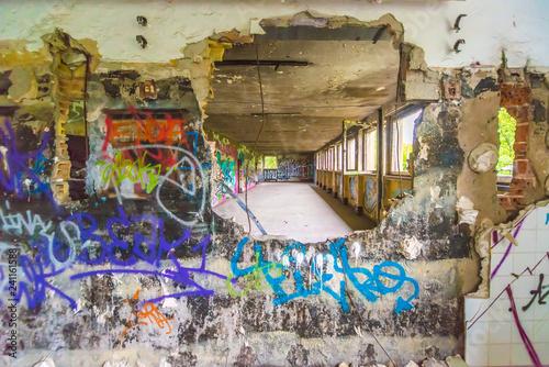 Graffiti wall brake through - 241161588