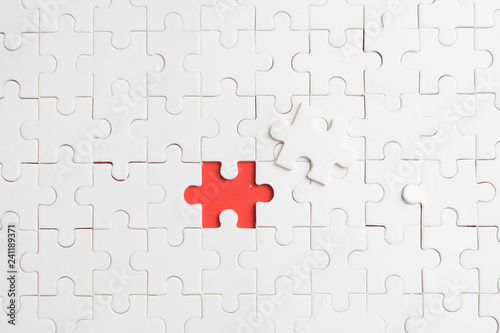 put the last piece of jigsaw puzzle to complete the mission - 241189371