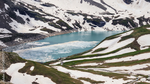 lago del Nivolet al disgelo