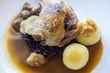 gans mit kartoffelknödel und sauce
