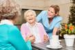 Quadro Senior Frauen lachen und haben Spaß