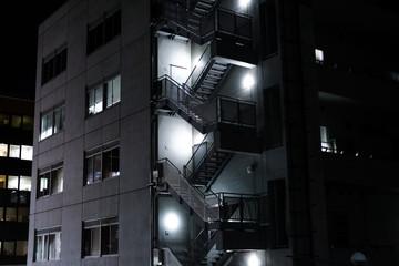 Japan Gebäude bei Nacht © romanb321