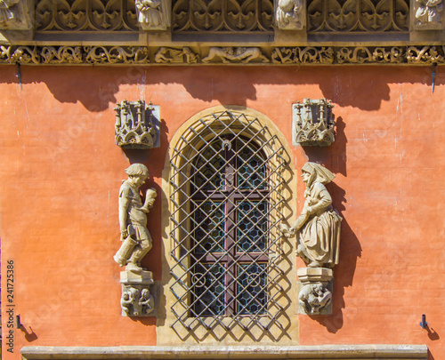 Foto Murales Facade of the gothic Old Town Hall on market square in Wroclaw, Poland