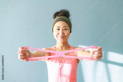 スポーツ女性 ポートレート - 241816175