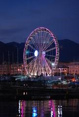 Ruota panoramica gigante sul lungomare di Salerno, per le luci d'artista. © GL