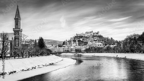 Leinwanddruck Bild Classic view of Salzburg at Christmas time in winter, Austria