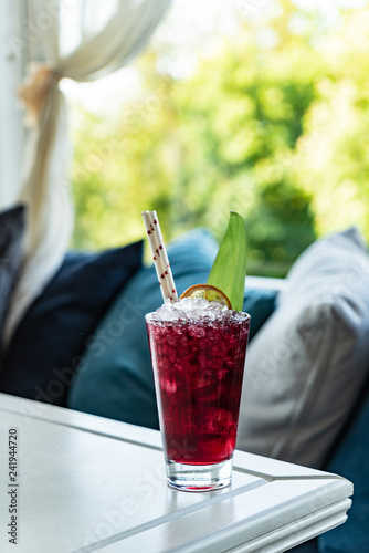 mata magnetyczna cocktail on the summer terrace