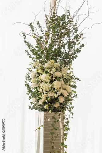 結婚式 白い薔薇の装花3