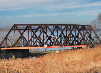Onondaga Lake Parkway railroad bridge © debramillet