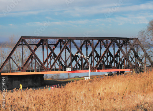 Onondaga Lake Parkway railroad bridge