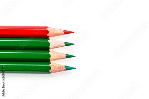 mata magnetyczna Buntstifte drei grün einer rot am Rand