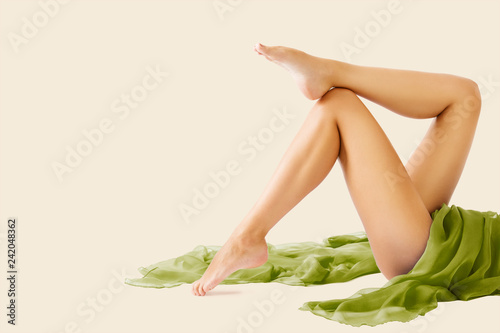 Leinwanddruck Bild Woman Legs Beauty and Body Skin Care, Female Epilation and Hair Removal