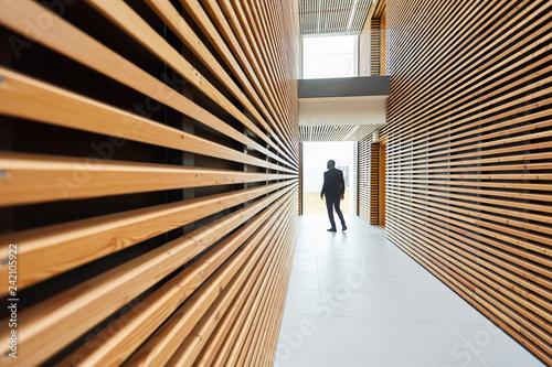 mata magnetyczna Mitarbeiter im modernen Büro Design