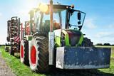 tracteur et sa charrue - 242171500