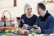 Leinwanddruck Bild - Couple drinking wine at table