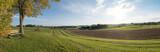 Aussichtsbank vor Münsing, mit Blick aufs bayerische Voralpenland