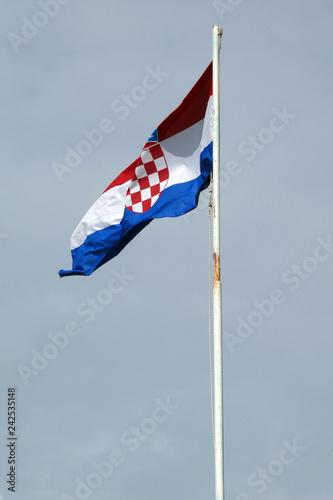 Kroatische Flagge - 242535148