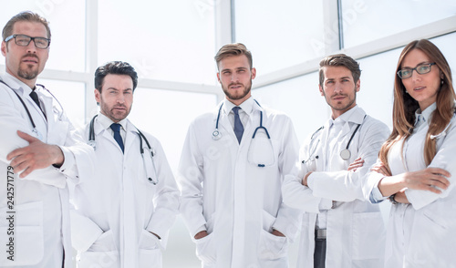 Leinwanddruck Bild portrait of a group of doctors of the medical center