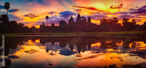 Leinwanddruck Bild Angkor Wat temple at sunrise. Siem Reap. Cambodia. Panorama