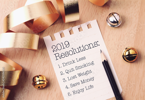 2019 resolutions list with gold decoration.