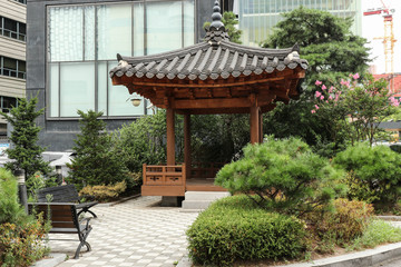Elements of Korean architecture. Mini-square in the courtyard of