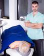 Leinwanddruck Bild - Confident cosmetologist