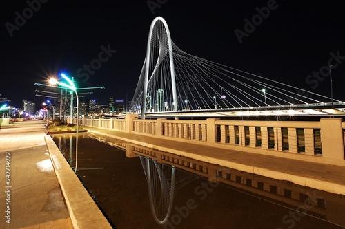 Foto Murales Margaret Hunt Hill Bridge