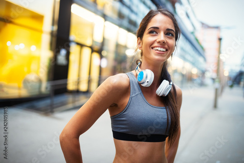 Leinwanddruck Bild Picture of young attractive happy fitness woman