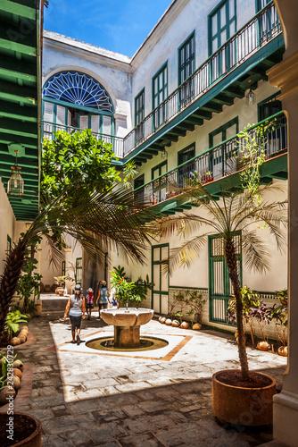 obraz PCV colonial house in Old Havana,Cuba