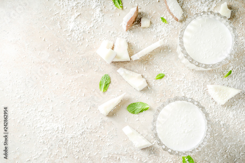 Vegan coconut milk - 242862954
