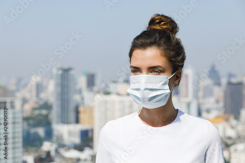 Foto Murales Air pollution or virus epidemic in the city