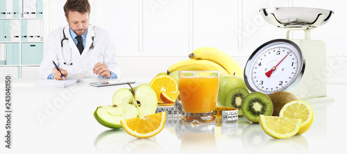 Leinwanddruck Bild dietitian nutritionist doctor prescribes prescription by consulting the digital tablet at the desk office with fruits, glass juice, tape meter and scale healthy and balanced diet concept