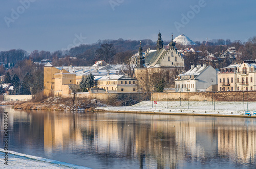 fototapeta na ścianę Krakow, Poland, winter landscape of Vistula river and Norbertine sisters monastery