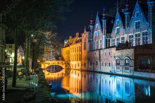 Leinwanddruck Bild Historic city of Brugge at night, Flanders, Belgium