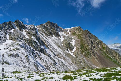 Poster Schneebedeckte Gebirge in den Alpen