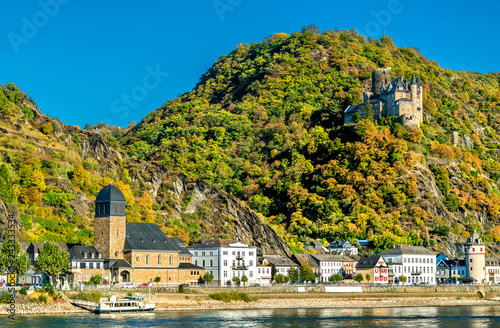 Leinwandbild Motiv Katz Castle above Sankt Goarshausen town in the Rhine Gorge, Germany