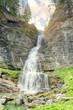 La cascata tra le rocce - 243357158