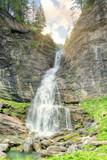 La cascata tra le rocce